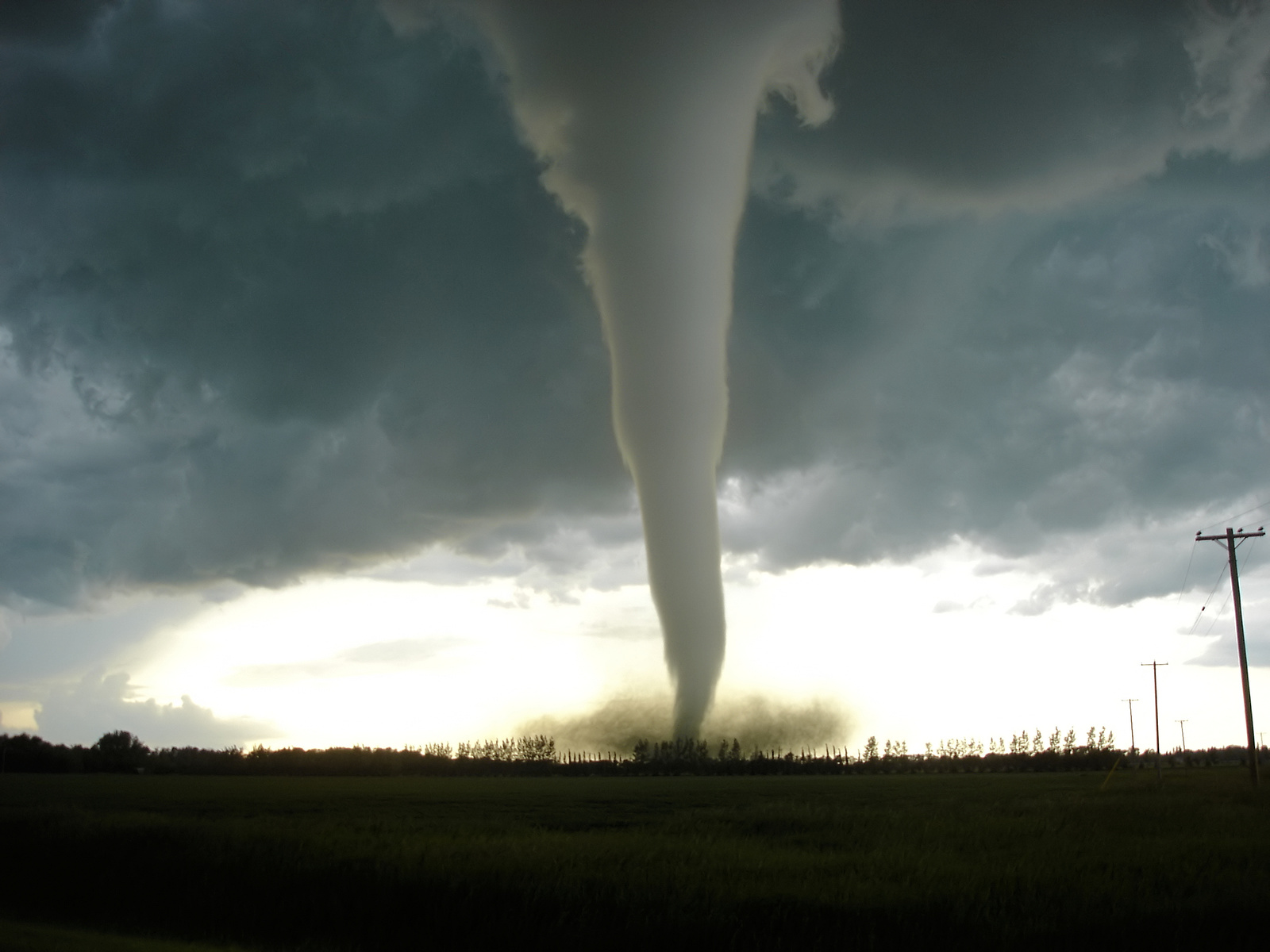 11/images/F5_tornado_Elie_Manitoba_2007.jpg