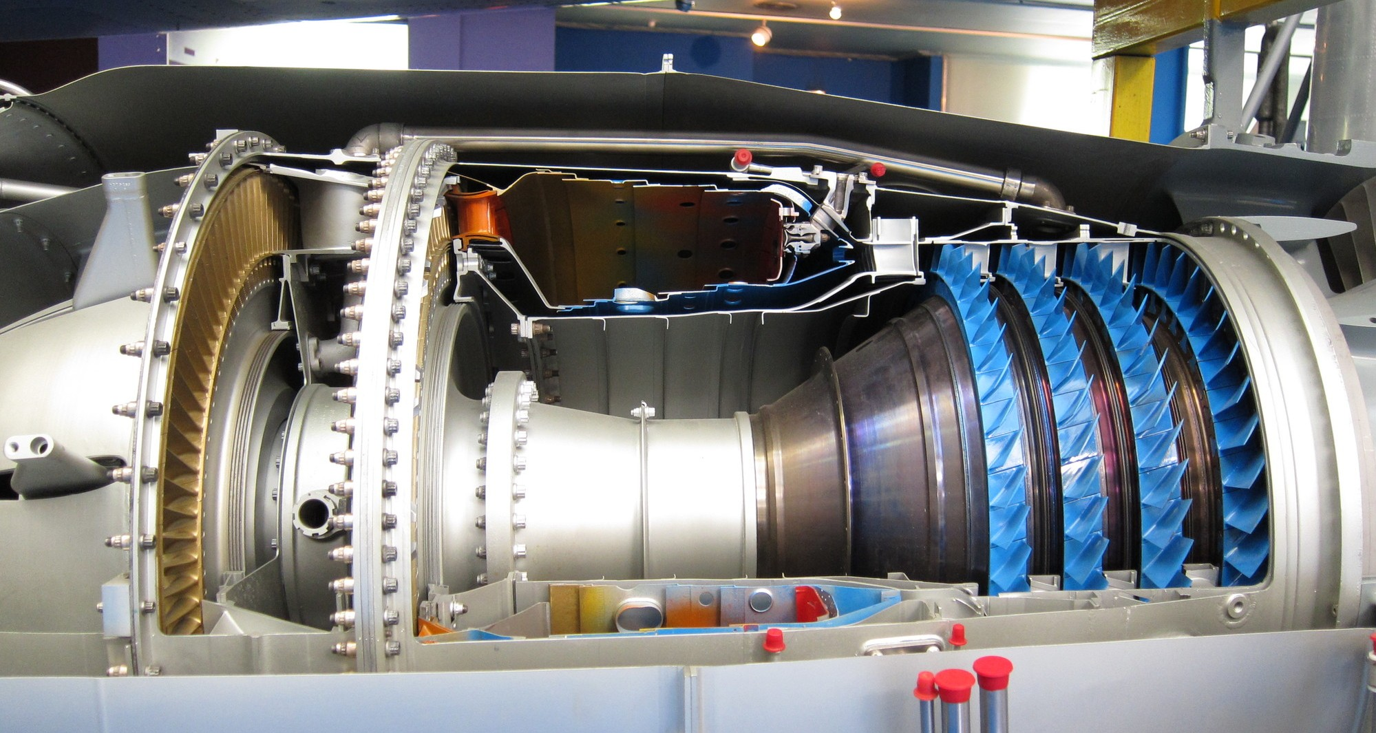 2/illustrations/rr_spey/Core_section_of_a_sectioned_Rolls-Royce_Turboméca_Adour_turbofan_cropped.jpg