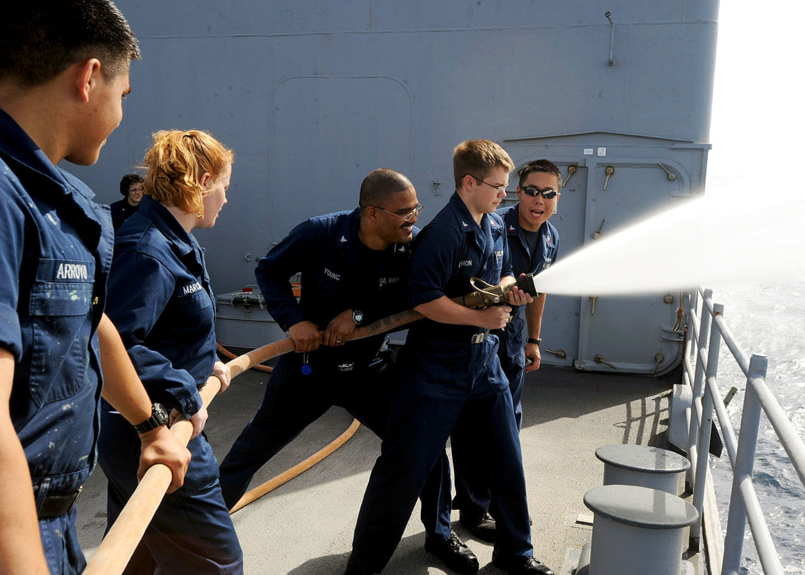 0/illustrations/Flickr_-_Official_U.S._Navy_Imagery_-_Sailors_practice_handling_a_charged_fire_hose_aboard_USS_Leyte_Gulf.jpg